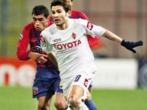 Mutu şi Fiorentina au învins la Bucureşti fără prea mari eforturi