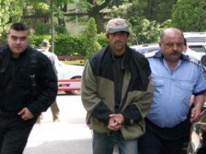 Dumitru Homiuc a fost trimis în judecată pentru viol, corupţie sexuală şi incest