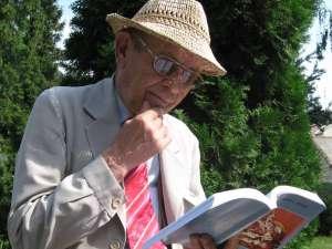 Dramaturgul George L. Ostafi