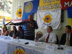 Intrată în PRM acum cinci ani, Alina aşteaptă scuze publice din partea lui Corneliu Vadim Tudor