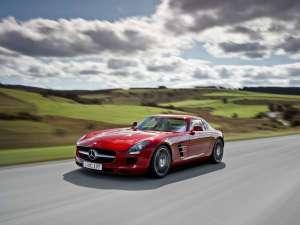 Mercedes SLS AMG, reîncarnarea legendei Gullwing