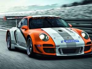 Porsche dezvoltă primele mașini sport cu motoare electrice