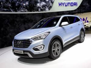 Hyundai introduce noul Grand Santa Fe