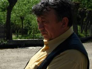 Primarul oraşului Milişăuţi, Mircea Laurus, este acuzat de un grup de profesori al unităţii de învăţământ din oraş că l-ar fi mustrat şi umilit public pe profesorul de istorie al şcolii Dan Onofreiciuc