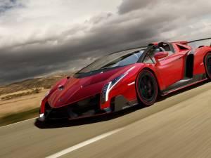 Lamborghini Veneno are o versiune Roadster
