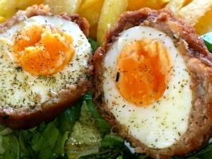 Ouă scoțiene