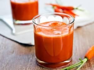 Sirop de morcov cu mere (Bem-Bem făcut în casă). Foto: healthaim.com