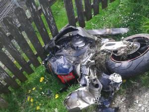 Un tânăr și-a pierdut viața în urma unui grav accident de motocicletă