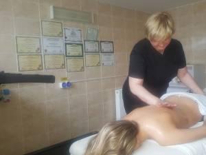 Demonstrații de masaj terapeutic, sâmbătă, la Iulius Mall Suceava