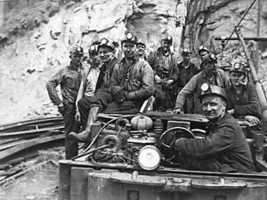"""""""Exploatarea minereului prin metoda surpării"""""""