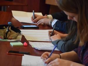 Nouă elevi s-au calificat la Olimpiada națională de ştiinţe socio-umane