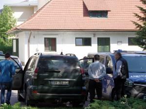 Percheziţii la maşina de serviciu a directorului Sorin Ciobanu