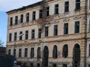 """Denunţ la Parchetul General pentru tratamentele aplicate în timpul comunismului la """"Orfelinatul Groazei"""" din Siret"""