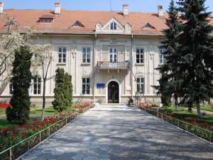 "Colegiul Naţional ""Eudoxiu Hurmuzachi"""