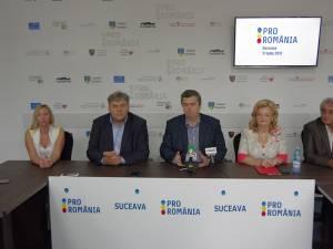 Cătălin Nechifor alături de echipa de coordonare a Pro România Suceava