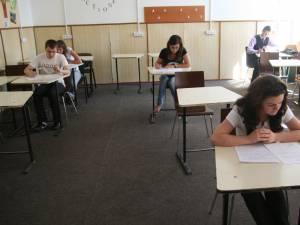 Peste 1.500 de elevi din judeţ s-au înscris la bacalaureatul de toamnă