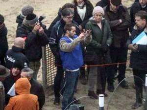 Fotografie de la reconstituirea faptei, în cadrul căreia Alexandru Caliniuc, din Salcea, a descris cu amănunte cum a acţionat. Foto: 7sur7.be