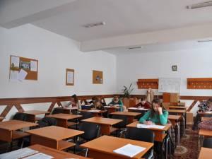 Doar 38,77% dintre elevii suceveni de clasa a VIII-a au obținut note peste 5 la simularea evaluării naționale la matematică