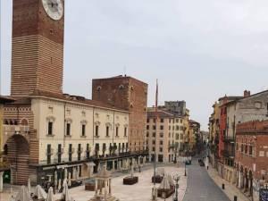 """Adrian, Verona (Italia): """"Dacă ne îmbolnăvim cu toți odată e foarte grav. Nu mai au unde să ne ducă"""""""
