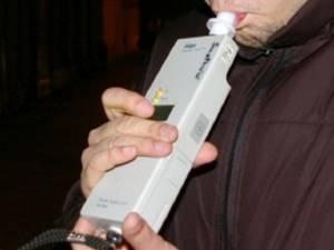 Șofer cu o alcoolemie uriașă: 1,43 mg/l alcool pur în aerul expirat