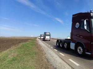 Peste 100 de TIR-uri și autoturisme din Suceava au participat la marșul pentru autostrăzi