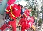Bărbat căzut într-o fântână, salvat de pompieri