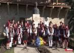 """Program artistic oferit de elevii şi profesorii Şcolii """"Ioan Vicoveanu"""" din Vicovu de Jos, la Mănăstirea Putna"""