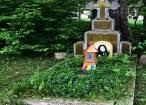 Călugării de la Schitul Sihăstria Putnei pregătesc locul în care va fi înmormântat Înaltpreasfinția Sa Pimen